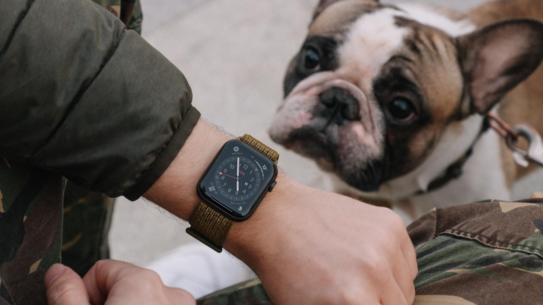 Впечатления от Apple Watch Series 6: побоялся новых цветов, начал спать в часах, облажался с монобраслетом