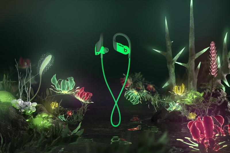 Beats и Ambush представили светящиеся в темноте наушники