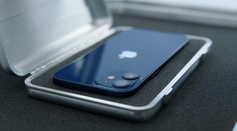 Apple разочарована продажами iPhone 12 mini. Зато остальные модели iPhone 12 продаются отлично