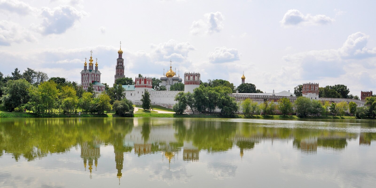 Водная экосистема: как в Москве следят за чистотой прудов