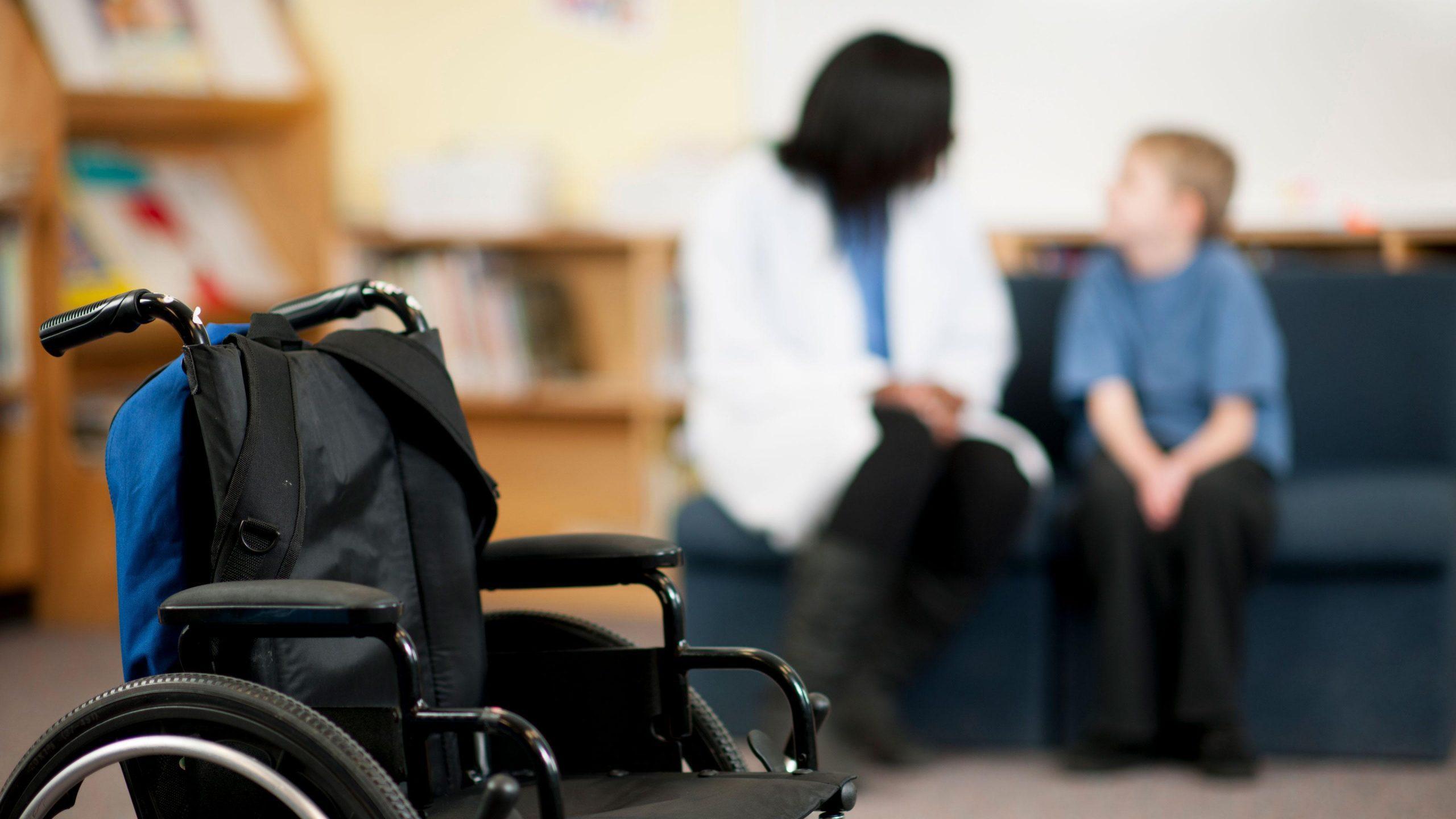 Астраханская 'Родина' займется проблемой нехватки лекарств для детей-инвалидов