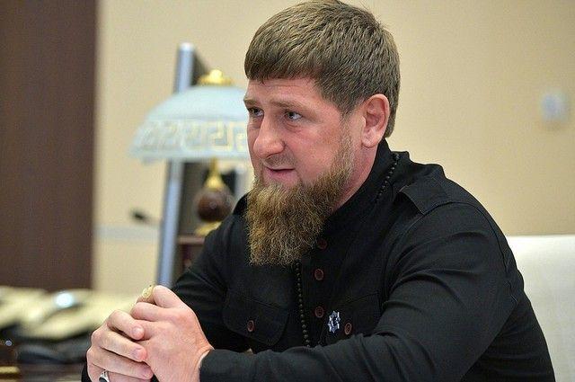 Кадыров прокомментировал видео, где группа человек моет обувь в источнике