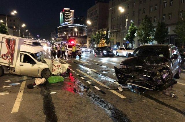 Владелец попавшего в ДТП с Ефремовым авто просит отменить приговор актеру