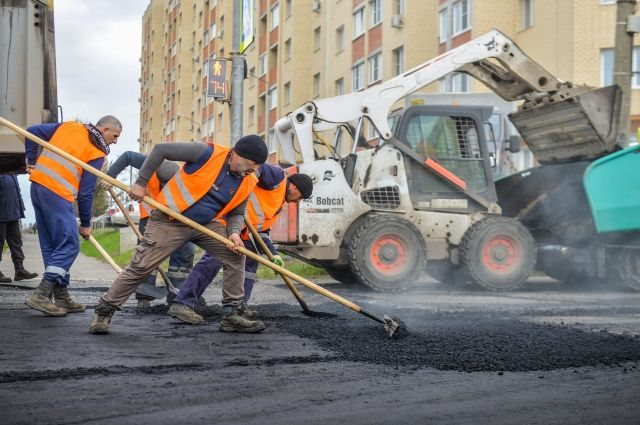 В Брянске закрытую дорогу на улице Объездной облюбовали байкеры и пешеходы