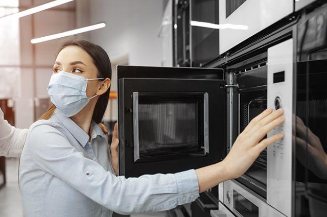 Эксперты Роскачества выяснили, сколько стоит качественная микроволновка