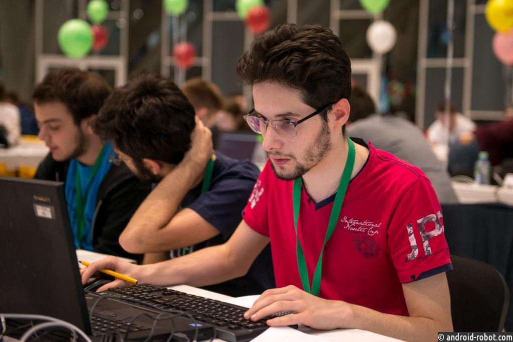 Каждый одиннадцатый программист считает, что работу можно менять хоть ежегодно