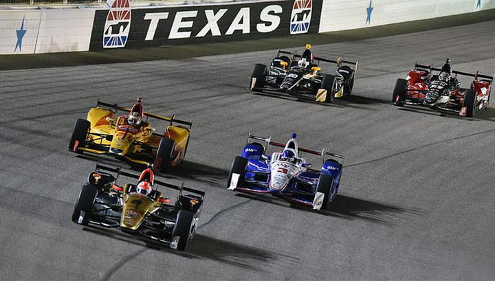 Американские гонки Indycar стартуют в Техасе при пустых трибунах