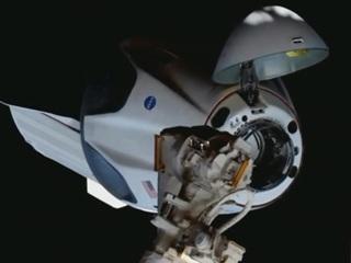 Корабль Crew Dragon Илона Маска отстыковался от МКС