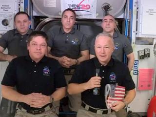 Американский флаг перекочевал с МКС на Crew Dragon