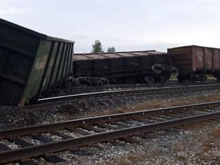 В Коми сошли с рельсов 11 вагонов с углем