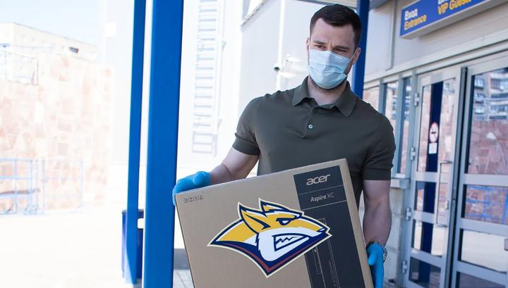 Хоккеисты 'Металлурга' обеспечили больницу Магнитогорска компьютерной техникой