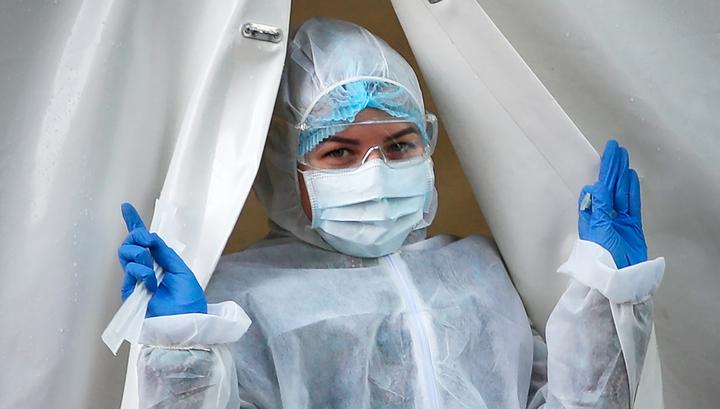 Борьба с COVID-19 в самом разгаре: московским медикам назначили допвыплаты