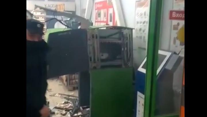 В Химках злоумышленники взорвали банкомат и похитили из него деньги