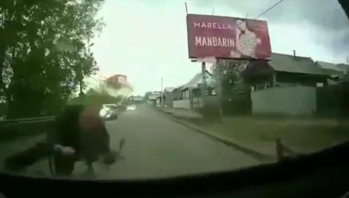 Лоб в лоб: при столкновении велосипедиста и автобуса в Бурятии пострадали три человека