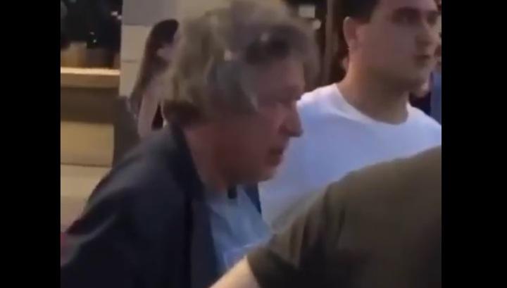 Появилось видео с места серьезного ДТП с участием Михаила Ефремова в Москве
