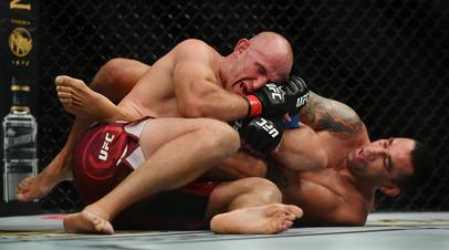 СМИ: На Украине не показали бой российского бойца UFC Олейника, которому запрещён въезд в страну