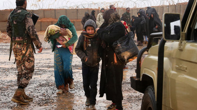 «Снабжение боевиков за счёт гумпомощи»: в России и Сирии заявили о причастности США к созданию фейков об «Эр-Рукбане»