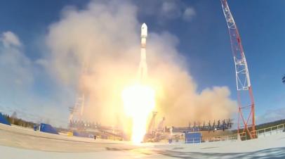 Старт ракеты-носителя «Союз-2.1б» с военным спутником с космодрома Плесецк — видео