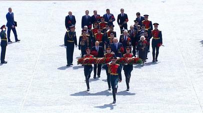 Путин и Лукашенко на открытии Ржевского мемориала советскому солдату — видео