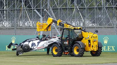 Авария Квята, проколы у Mercedes и лидерство Хэмилтона: чем завершился Гран-при Великобритании