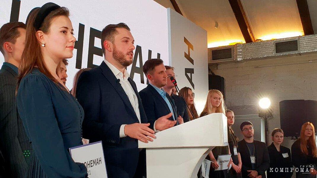 Роман Юнеман идет на выборы в Госдуму с ноу-хау для сбора 15 000 подписей и «кротами» в бюджетных учреждениях