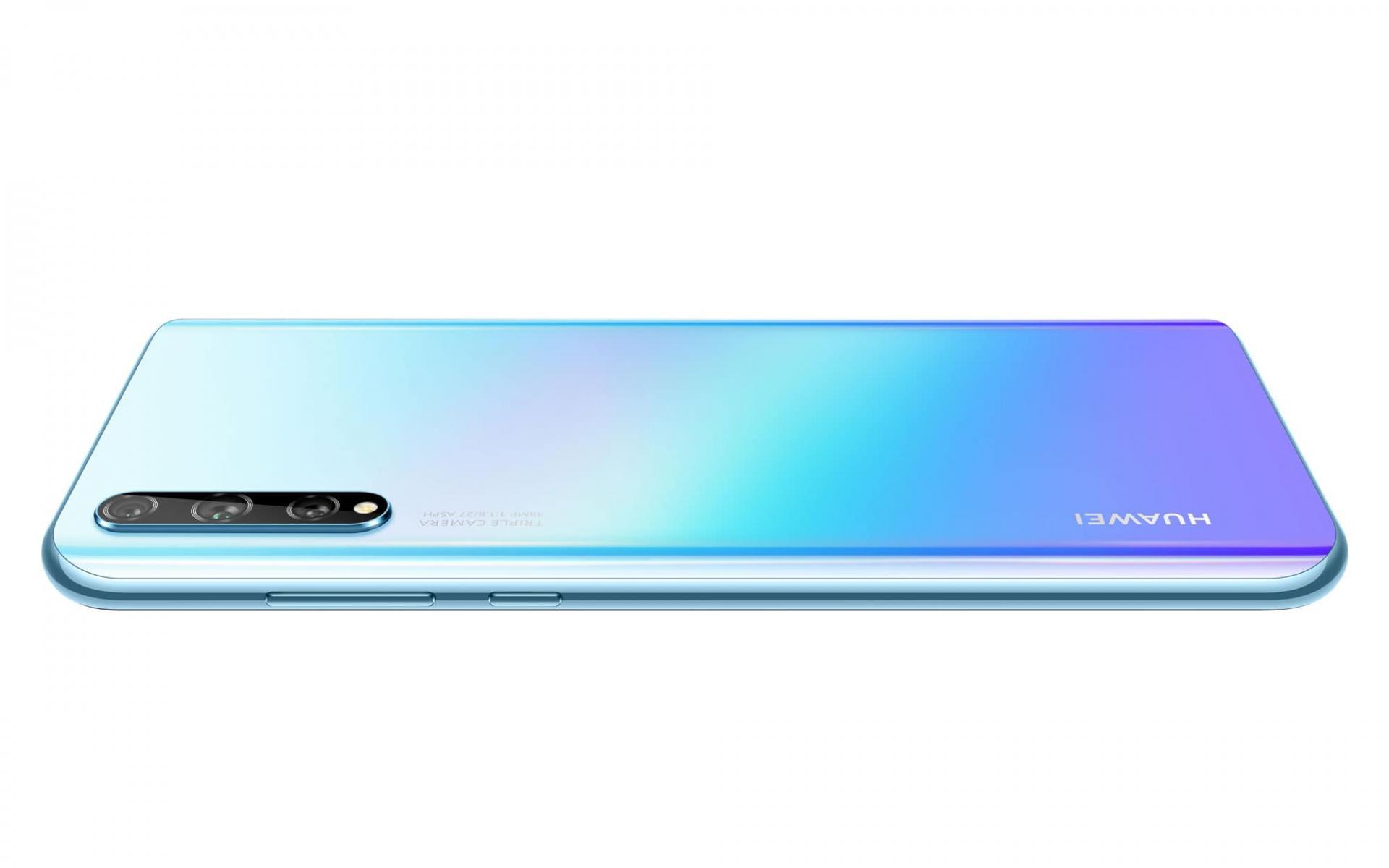 Новичок Huawei Y8P — нужен ли такой смартфон рынку?