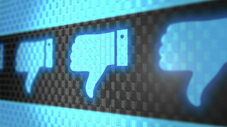 Большой сбой снаружи и изнутри: Что случилось с Facebook?