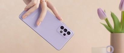 Samsung выпустила смартфон-супербестселлер и дешевый смартфон с огромной батареей. Видео