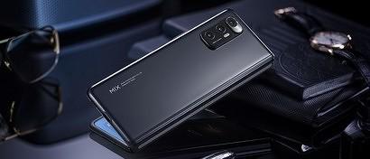 Xiaomi выпустила смартфон с гибким экраном и собственной «Windows». Видео