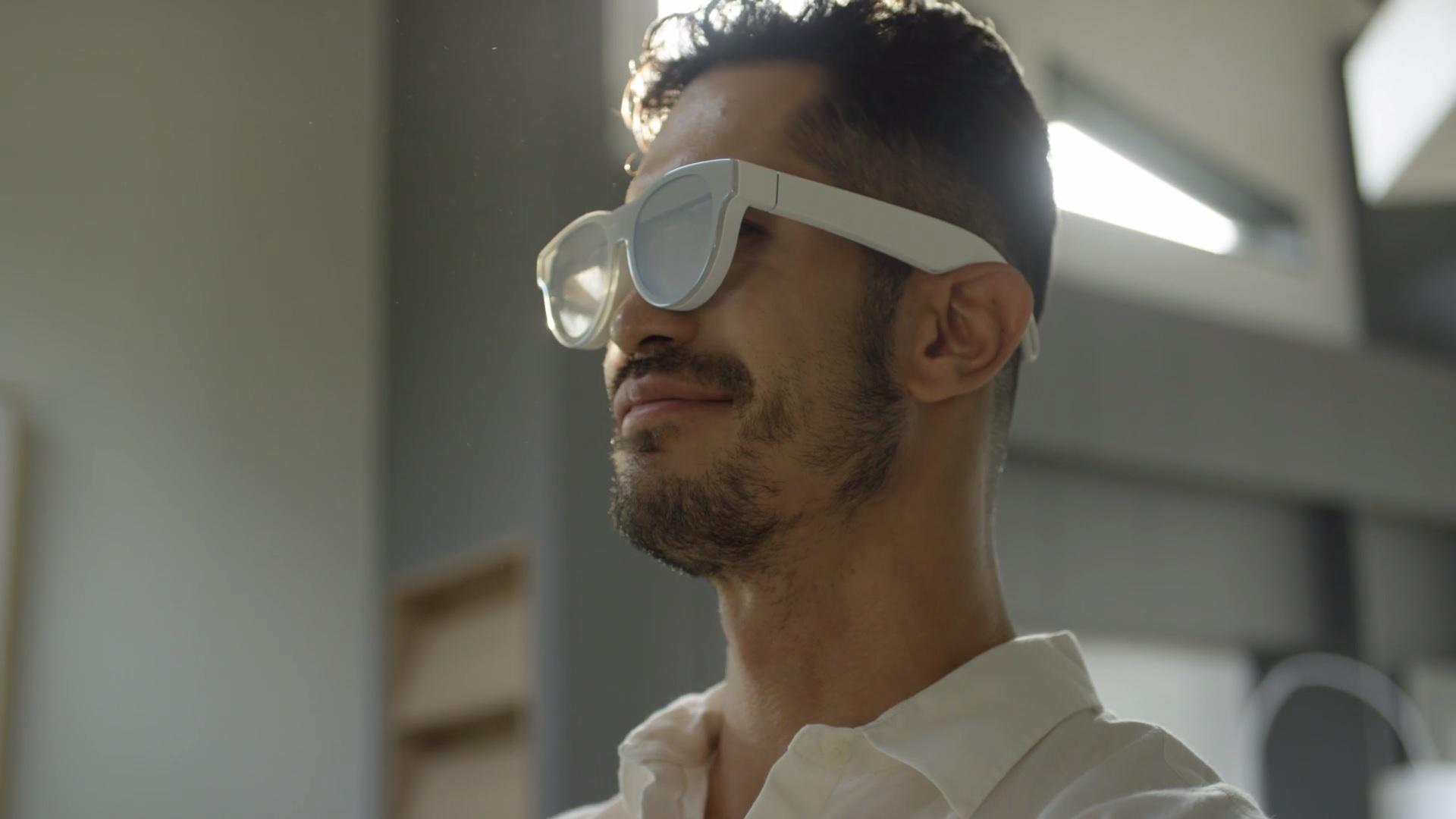 Концептуальные AR-очки Samsung Glasses Lite и AR Glasses показали в рекламном ролике