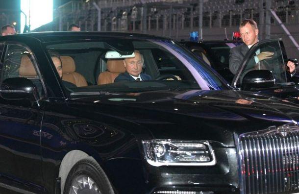 Путин предостерег чиновников от покупки иностранных лимузинов