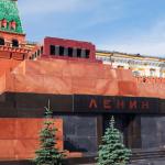 Мумию Ленина предложил продать лидер ЛДПР Жириновский