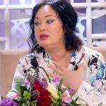 Кидавшуюся пирожными невесту осудила Лариса Гузеева
