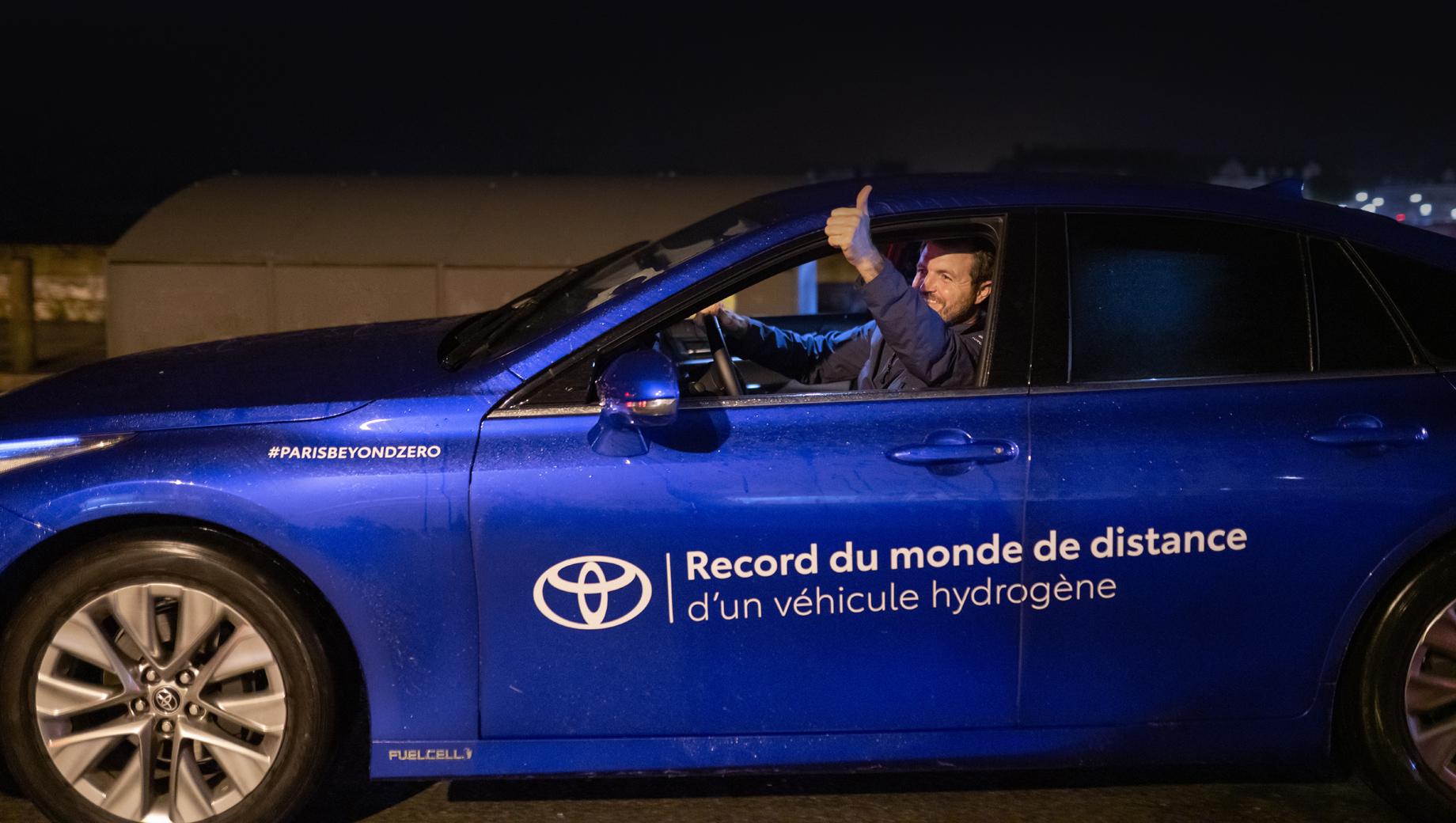 Седан Toyota Mirai поставил рекорд пробега на водороде
