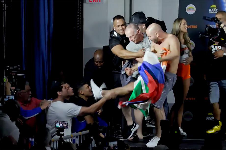 Устроил скандал: Артема Лобова унизили из-за того, что он показал флаги Ирландии и России команде своего соперника Полу Малиньяджи