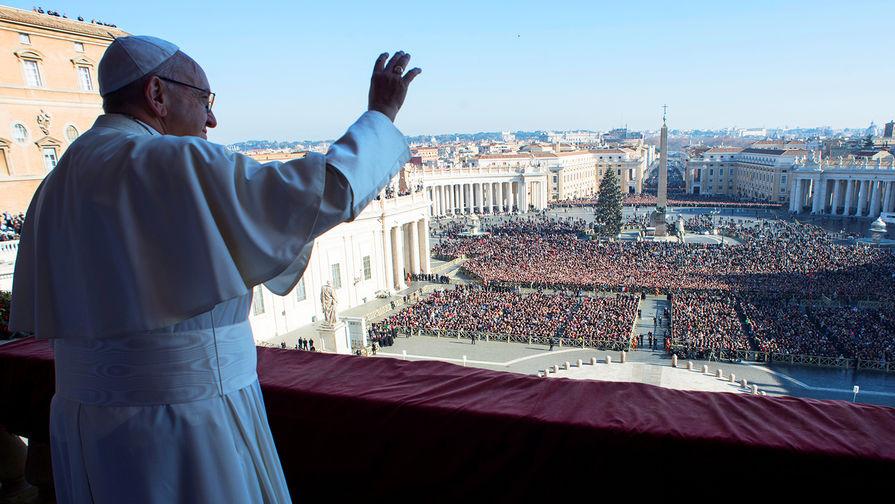 Впервые с начала марта папа Римский обратился к народу