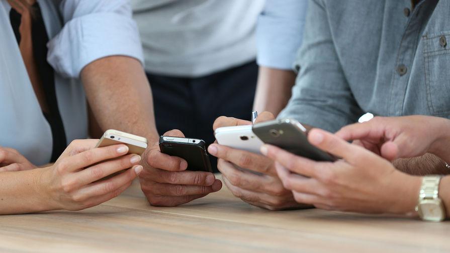 Производители смартфонов согласились на предустановку российского ПО