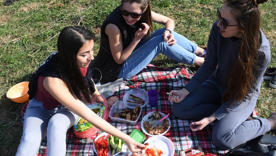 Роспотребнадзор выпустил рекомендации по поведению в майские праздники