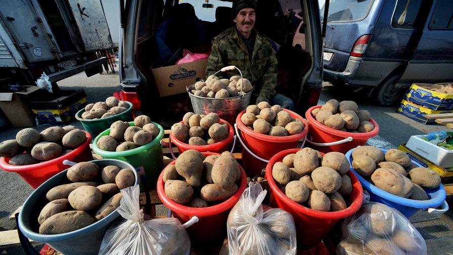 Украина намерена запретить импорт картошки из России