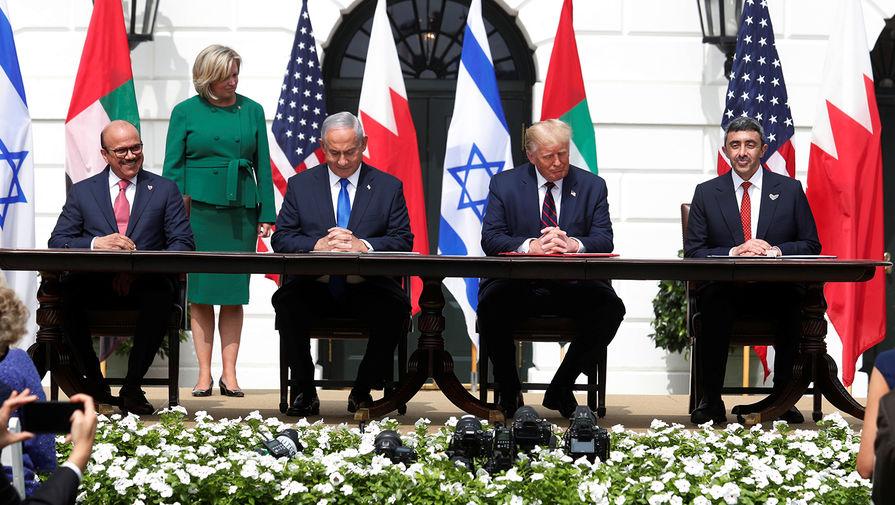 Бахрейн, ОАЭ и Израиль подписали соглашение об установлении отношений