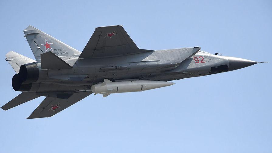 МиГ-31 перехватил два бомбардировщика США над Беринговым морем