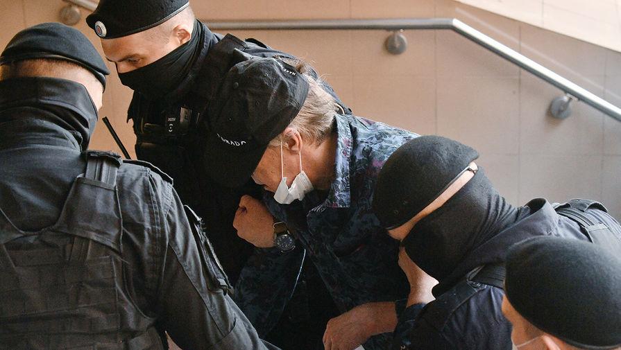 Адвокат: Ефремов может посетить судебное заседание 18 августа
