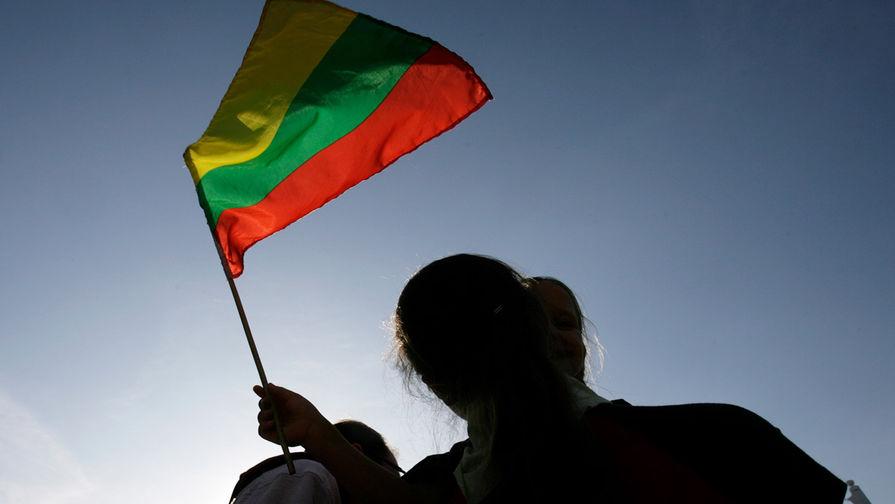 Литва ограничит въезд артистам из-за российского музыканта
