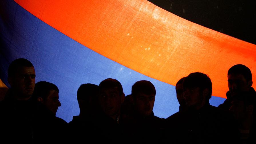 В Армении задержали экс-министра обороны