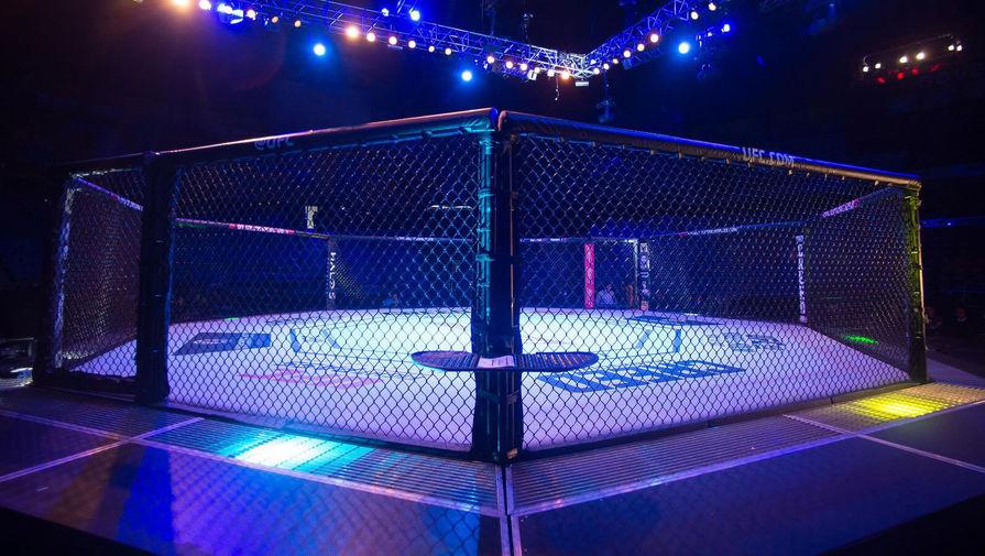 Зараженный коронавирусом боец UFC на взвешивании был в маске и перчатках