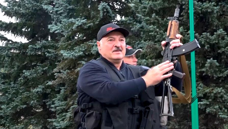 Лукашенко предложил Шойгу провести новые военные учения