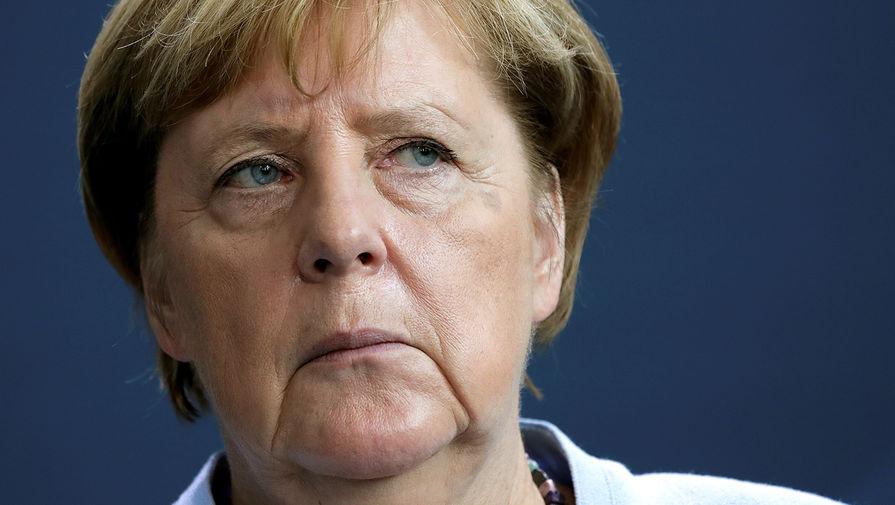 Меркель допустила санкции против 'Северного потока - 2' из-за Навального