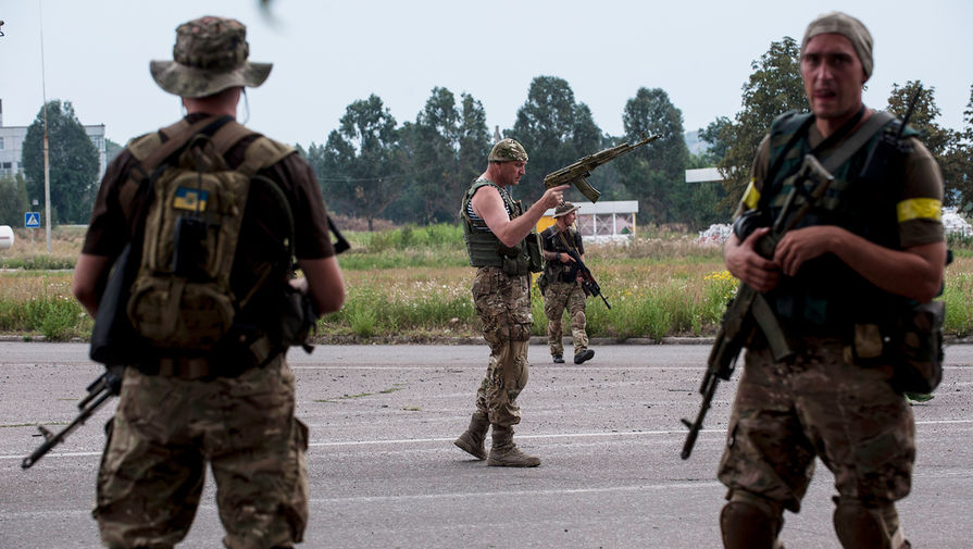 Трое украинских военных погибли при пожаре в блиндаже в Донбассе