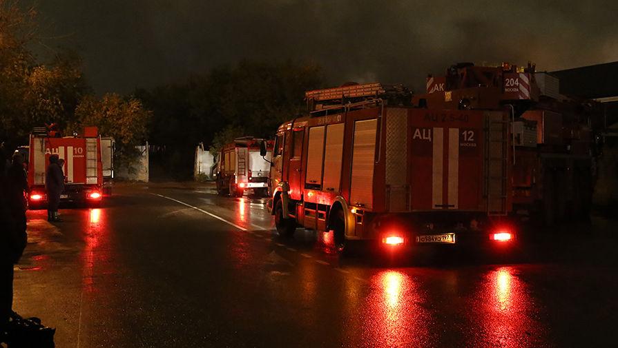 На юге Москвы при пожаре в квартире погибли три человека