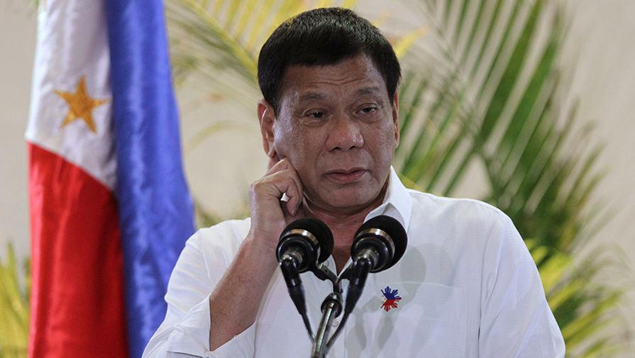 Филиппинский президент посоветовал обеззараживать маски бензином